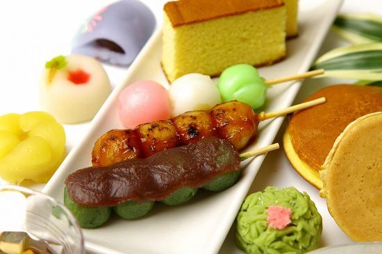 甘いものイメージ だんご カステラ 和菓子 ドラ焼き