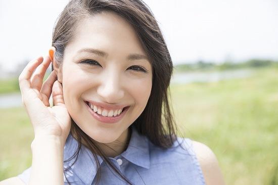 笑顔がステキな女性